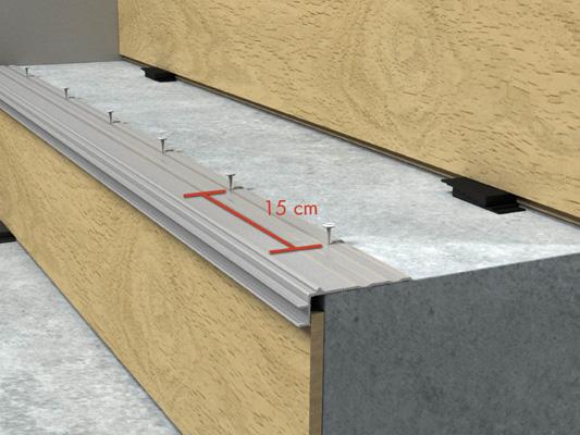 Монтаж металлического профиля на ступень